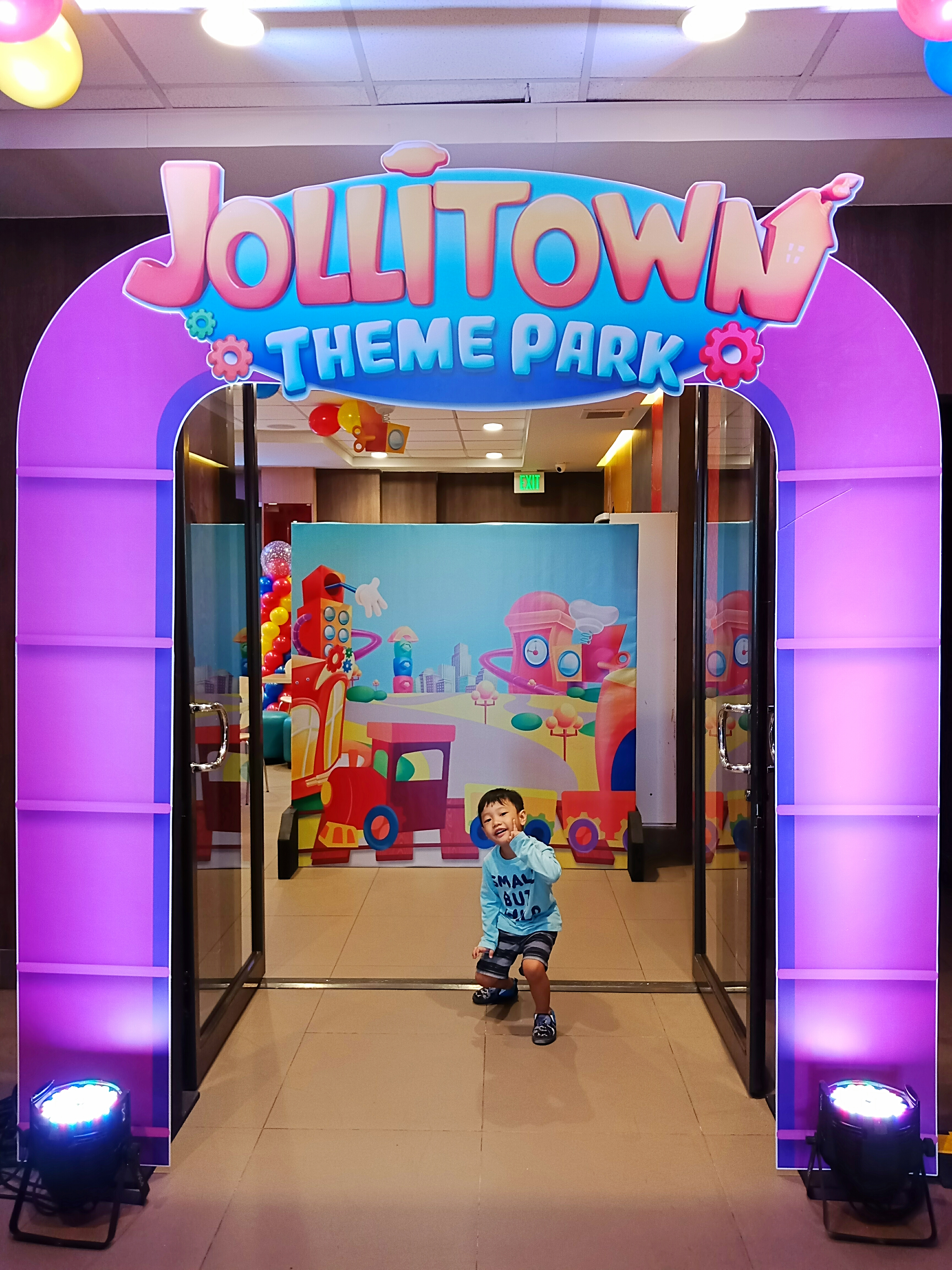 Jollitown Theme Park Party